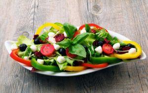 Рецепты и советы по приготовлению диетических салатов при панкреатите