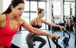 10 преимуществ эллиптических тренажеров для здоровья
