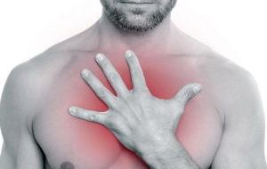 Какие факторы вызывают жжение в области грудной клетки