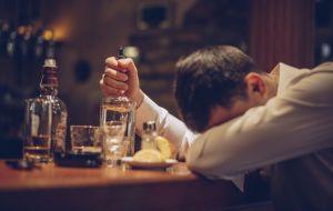 Как алкоголь и наркотики вредят вашему здоровью?