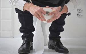 Причины, симптоматика и лечение запоров у взрослых