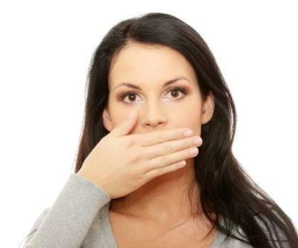 Основные причины металлического привкуса во рту и тошноты