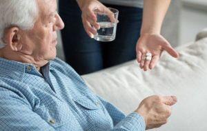 Применение слабительных препаратов для лечения запора у пожилых людей