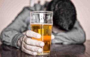 Симптоматическая картина и способы лечения алкогольного панкреатита