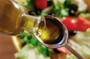 Дозировка касторового масла при запорах подбирается для каждого человека отдельно