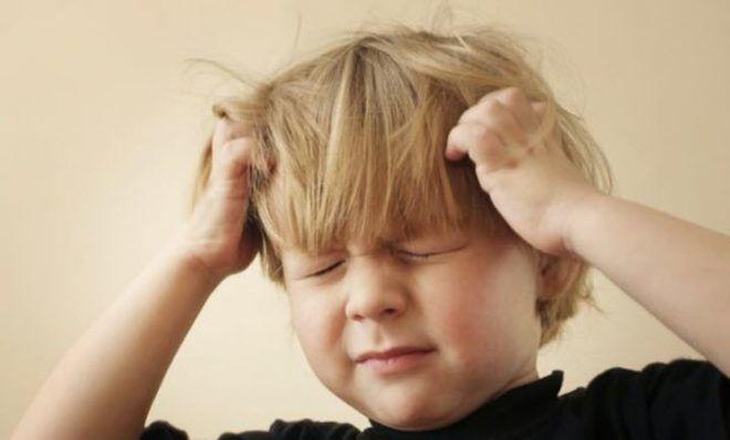 Если ребенок ударился головой и повредил мозг, то из-за этого может быть тошнота