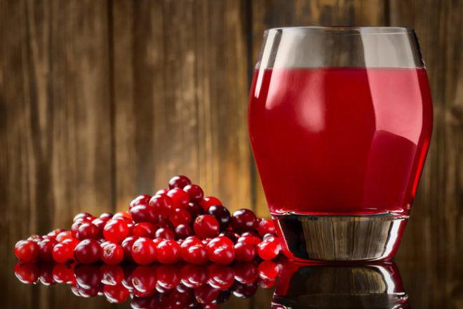 Клюквенный сок хороший народный метод от детской отрыжки