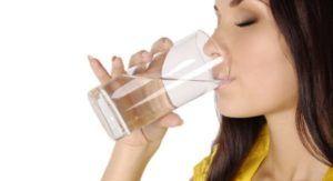 Минеральная вода полезна при обезвоживании организма