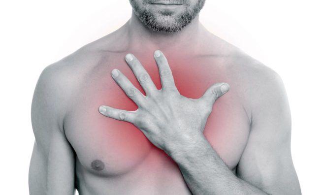 Боль и хрипы в груди возникают при пневмонии