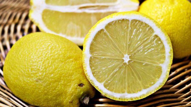 Лимон для чистки языка