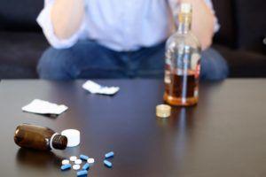 Любые спиртные напитки противопоказаны при любой форме панкреатита