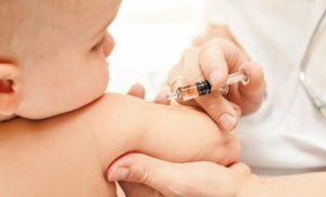 Одной из важных правил вакцинации является сделать прививку до года