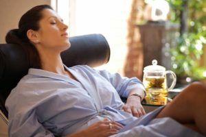 При болях в правом боку рекомендуется полный покой