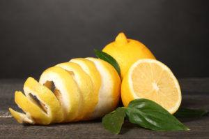 Лимона с кожурой