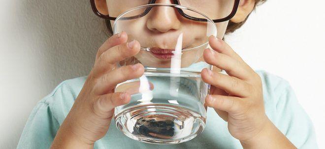 Для лечения гастроэнтерита стоит пить только очищенную или кипячёную воду