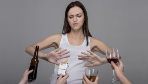 Для профилактики стоит отказаться от пагубных привычек
