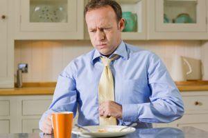 Одним из симптом гастродуоденита является изжога