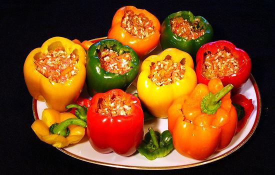 Перец фаршированый овощами