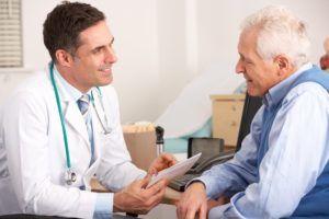 При подозрении на лимфаденопатию стоит обратится к врачу