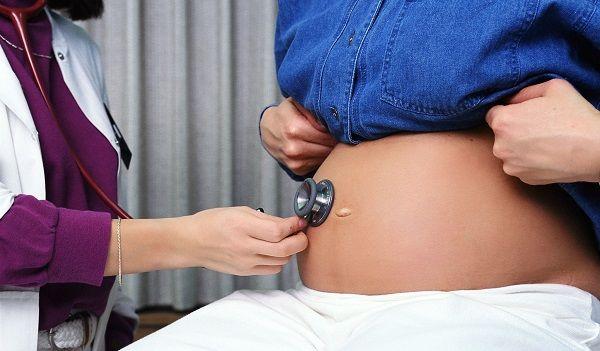 Ротавирус при беременности в легкой форме не представляет опасности для ребенка