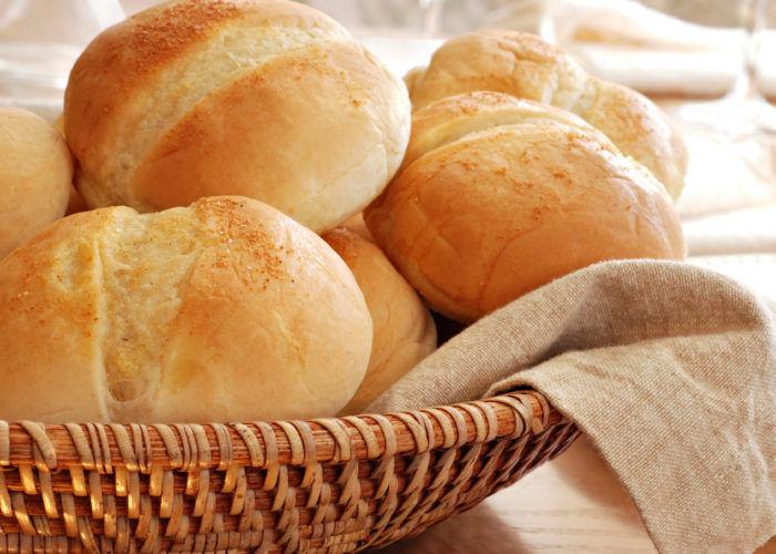 Высушенный белый хлеб