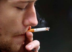 Курение является причиной тяжести в желудке
