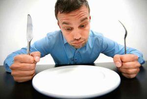 На протяжении 12 часов после приступа необходимо голодать