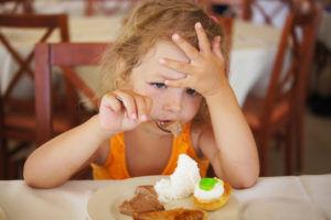 Не перекармливать малыша для профилактики диспепсии