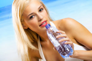Недостаток воды в организме приводит к развитию изжоги