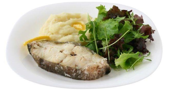 Овощное пюре с отварной рыбой