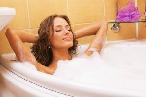 При неправильном промывании половых органов появляются бактерии в моче