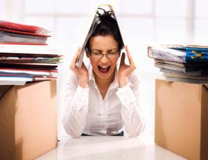 Стресс является одной из важных причин возникновения боли и тяжести в желудке
