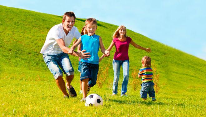 Вести активный образ жизни для профилактики пупочной грыжи