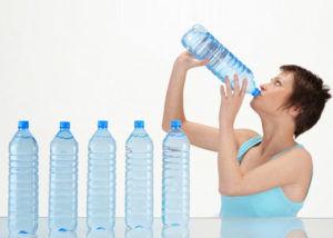 Употреблять большое количество воды